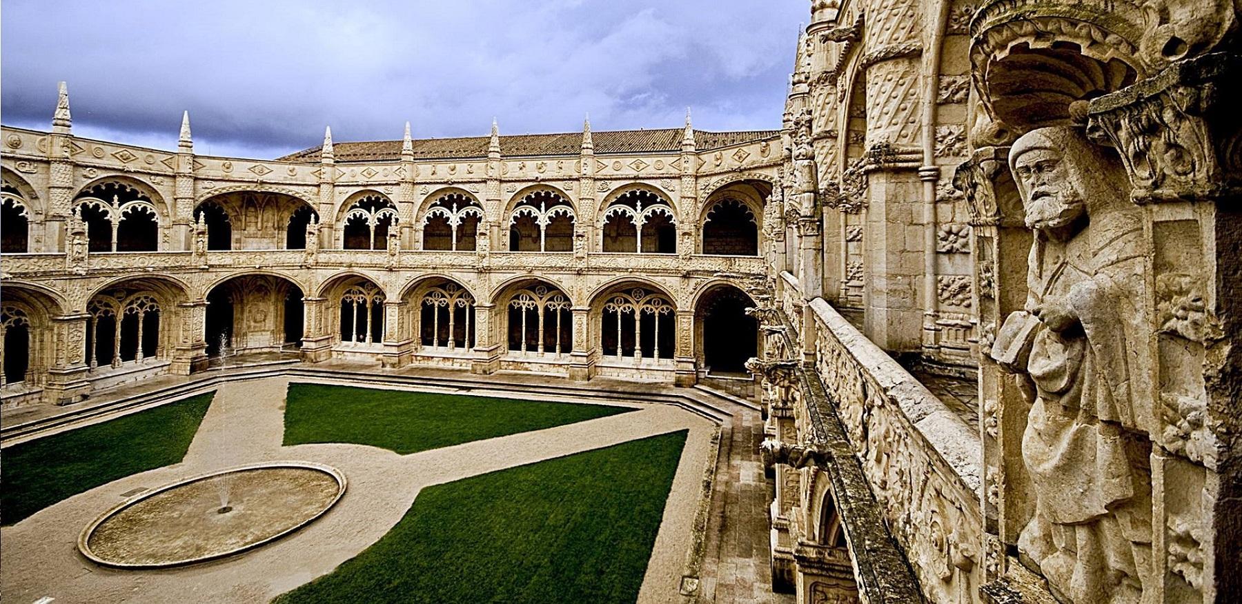 Full Day Tour In Lisbon