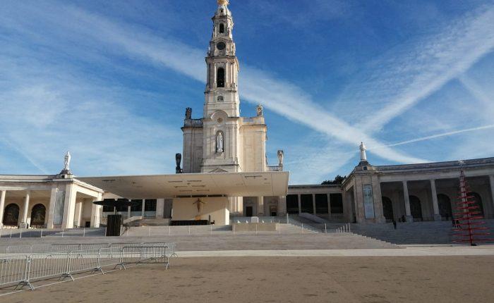 Fatima and Obidos day Tour